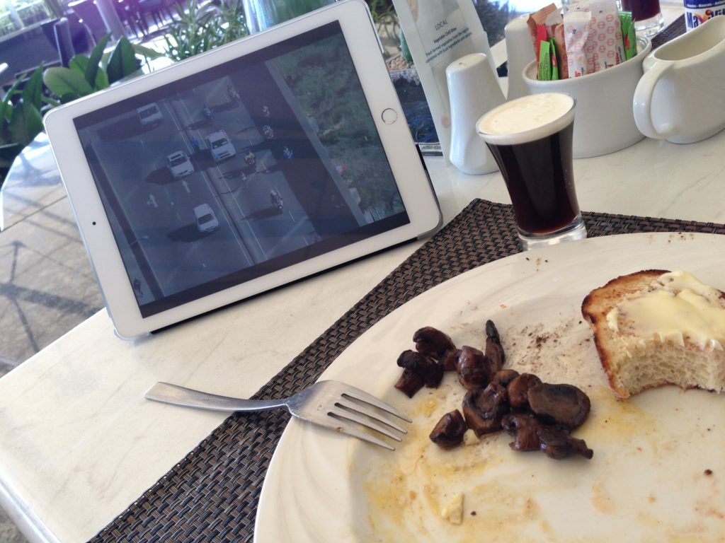 The advantage of not running Comrades Marathon - having a lovely breakfast at Durban Hilton and watching the runners online