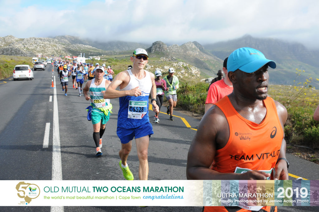 Running down Ou Kaapse Weg during 2019 Two Oceans Ultra Marathon